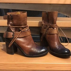 Vince Camuto leather bucket and tie boots